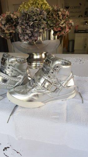 Sneaker Gr. 36