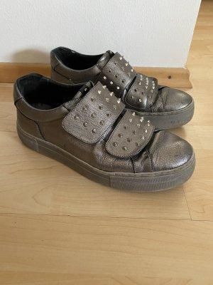 Sneaker Gr.41 silber Nieten Schuhe