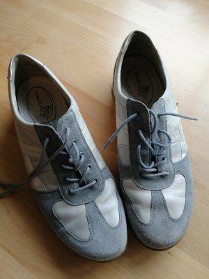 Sneaker Gr 8 1/2