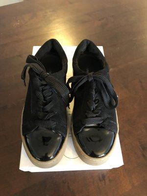 Sneaker Graceland