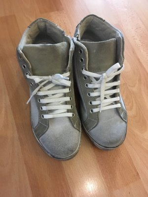 Sneaker grau usedlook