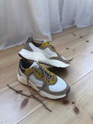 Sneaker HUB wie neu