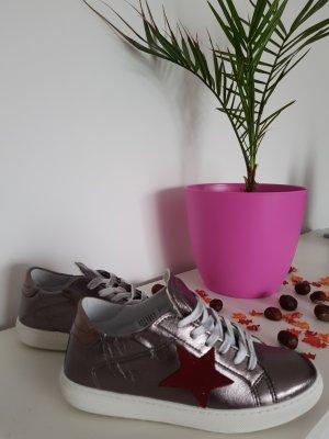Sneaker im metalliclook von Heine
