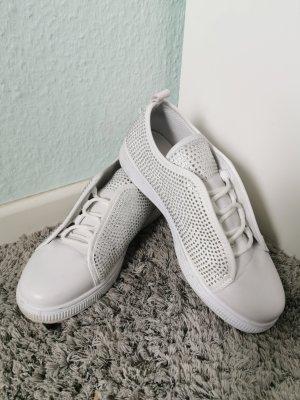 Sneaker in weiß mit strasssteinen Größe 40