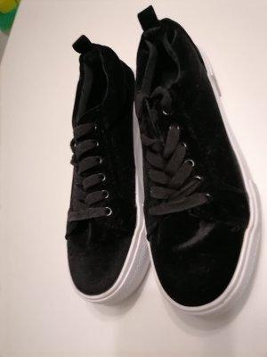 H&M Sneaker con tacco nero