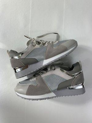 Sneaker mit Absatz | NEU GR. 39