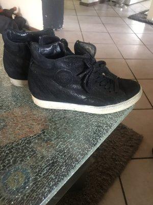 Paul Green Sneaker con tacco nero