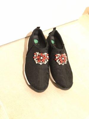 Slip-on Sneakers black-brick red