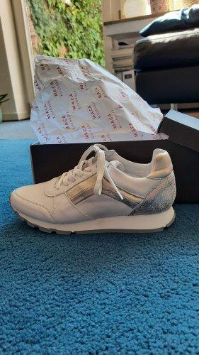 Sneaker mit Silber