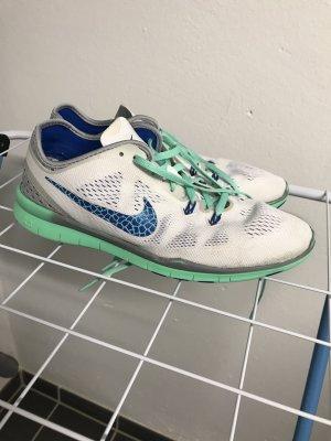 Sneaker Nike Free TR Fit Gr. 40