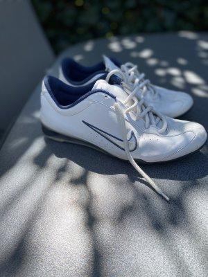 Sneaker Nike Gr 38,5
