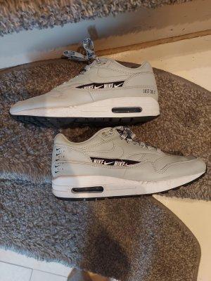 Sneaker Nike hellgrau 38