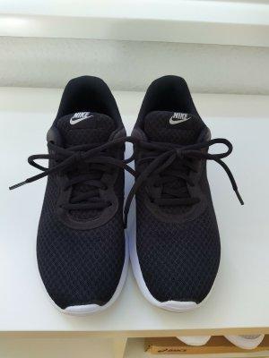 Sneaker Nike Tanjun schwarz Größe 41