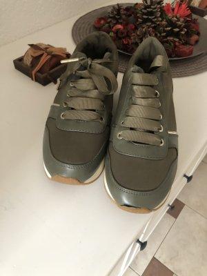 Sneaker olivegrün