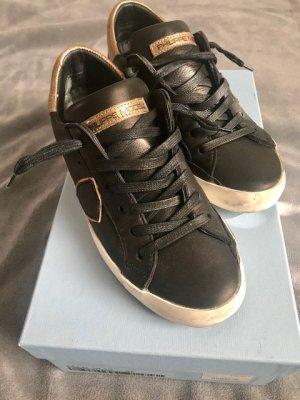 Philippe Model Sneaker stringata nero-oro