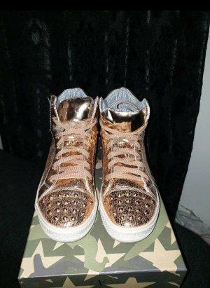 Sneaker Rosegold mit Nieten