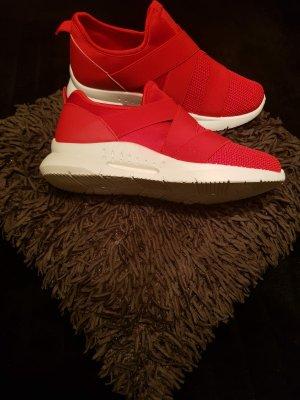 Sneaker rot Gr 40