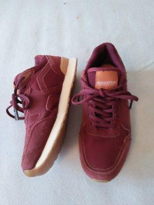 Sneaker 's Gr 40