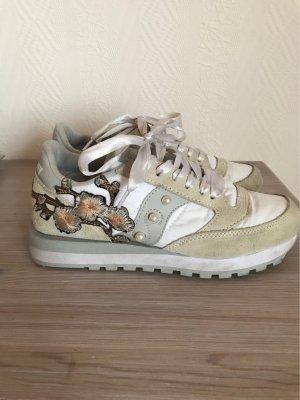 Sneaker saucony mit Stickerei und Perlen