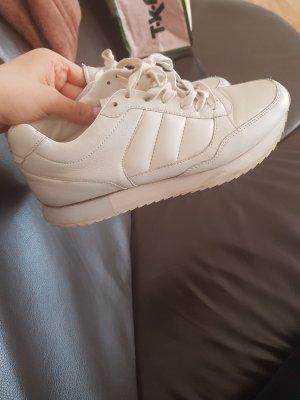 Sneaker/Schuhe