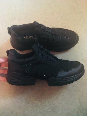 -8- Venice Instapsneakers zwart Textielvezel