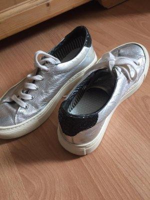 Sneaker Silber mit schwarz Glitzer hinten