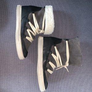 Sneaker-Stiefelette mit verdecktem Keilabsatz Größe 39