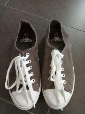Sneaker/Stoffschuhe
