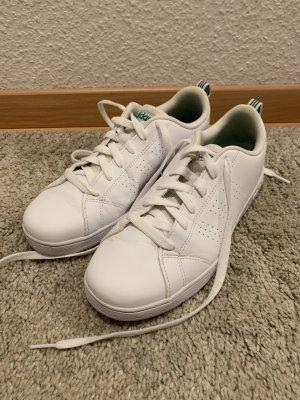 Sneaker von Adidas, weiß, Gr. 38, neuwertig