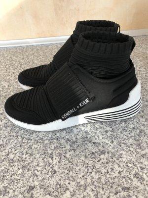 Sneaker von Kendall und Kylie