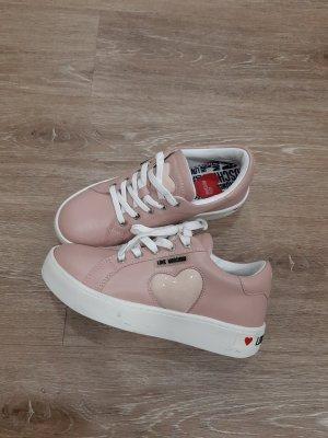 Sneaker von Love Moschino