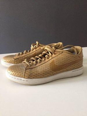 Sneaker von Nike in Gold
