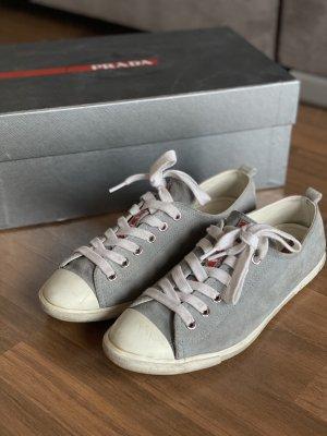 Sneaker von Prada