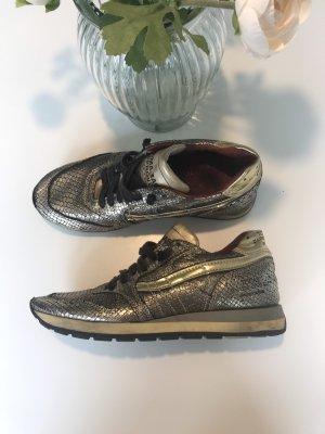 Sneaker von Primabase
