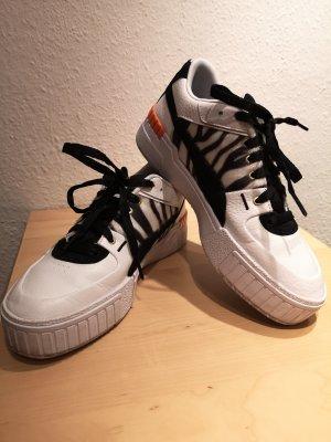 Sneaker von Puma