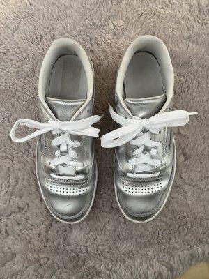 Sneaker von Reebok in silber