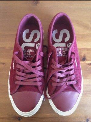 Sneaker von Superdry in Bordeaux