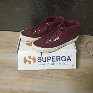 Sneaker von Superga