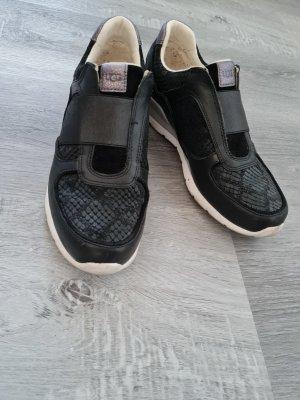UGG Basket slip-on noir