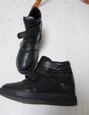 Wedge Sneaker black