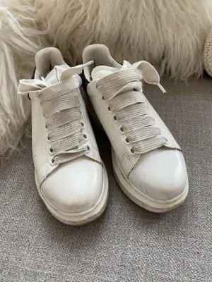 Alexander McQueen Sneaker stringata bianco
