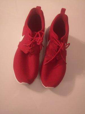 Sneaker zu verkaufen