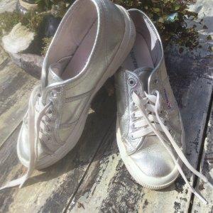 Sneaker zum Schnüren