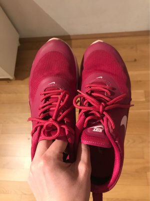 Nike Lace-Up Sneaker magenta-pink