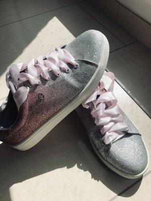 Sneakers / Freizeit Schuhe von s.Oliver / Silber / Rosa wie Neu