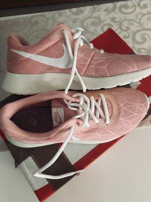 Sneakers / Lauf / Freizeit Schuhe von NIKE GR.40, altrosa neu