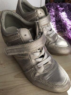 Graceland Sneaker con tacco oro