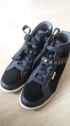 Sneakers mit Keilabsatz Gr 41 Glatt und Rauledermix Nieten in Schwarz