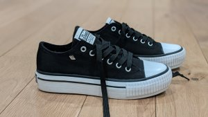 British Knights Sneaker con tacco nero