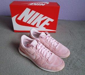 Sneakers Nike Wmns Internationalist SD Prism Pink Gr. 42